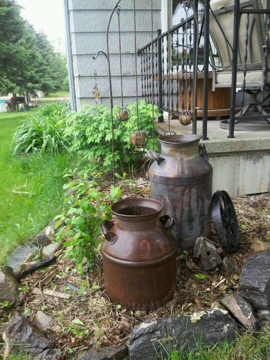 old vintage tin buckets - Country Outdoor Decor