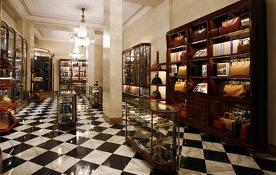 1913 - Mario Prada opens in Galleria Vittorio Emanuele II, in Milan, an exclusive store selling leather bags, trunks, beauty cases and luxury accessories.  http://www.pradagroup.com/