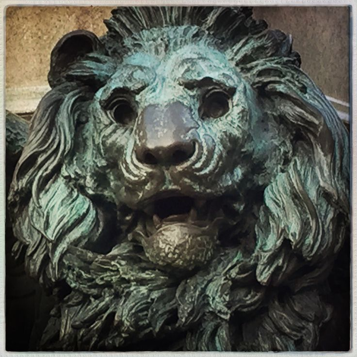 Hipstamatic Oggl       -       Lions  of Venice 1