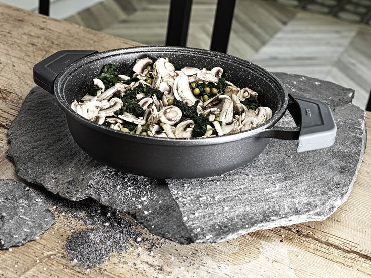 SaucePan made on Cast Aluminium from RISOLI' collection with granito hard stone coating. available cm. 24-28-32-36 thikness : 6.0 mm prodotta nel nord italia