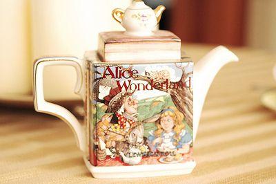 Alice in Wonderland Tea Pot