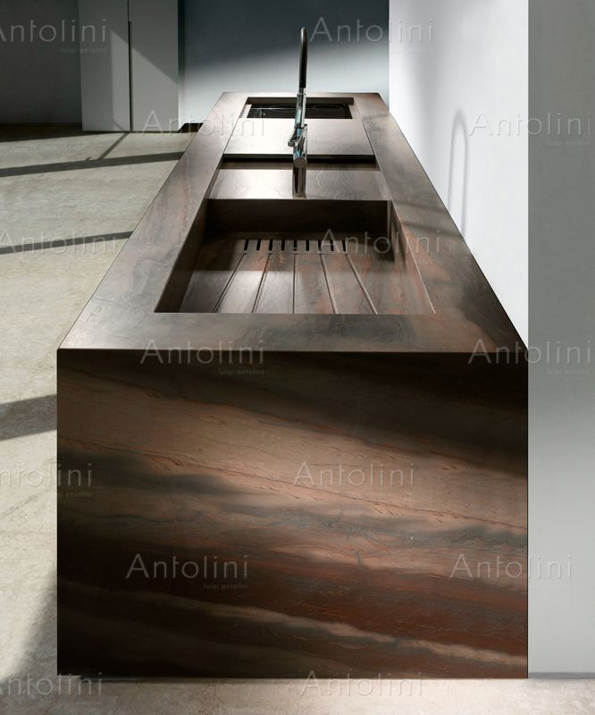 Elegant brown natural stones antolini interiors for Devaere interieur
