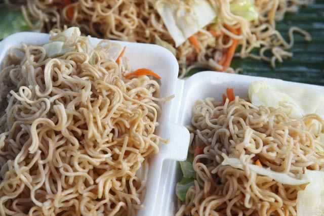 How+to+Make+Chow+Mein+Noodles:+A+Photo+Guide