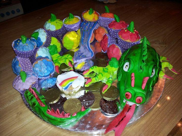 Regenboog draken cupcake traktatie