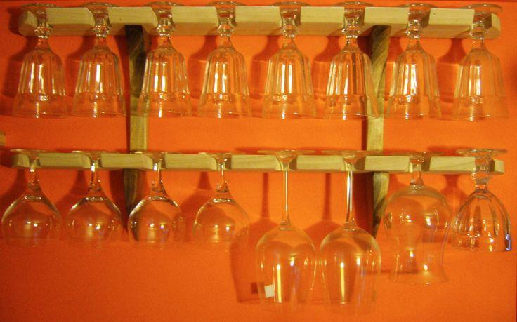 Wine Glasses Holder  Porta bicchieri in frassino e noce. Quando lo spazio si crea.