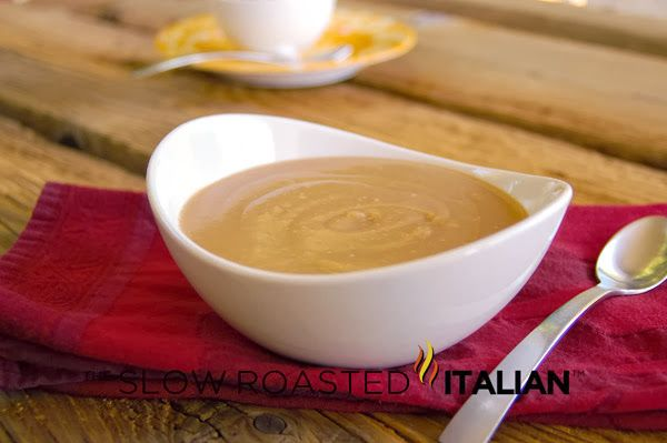 How To: 5 Minute Homemade Brown Gravy