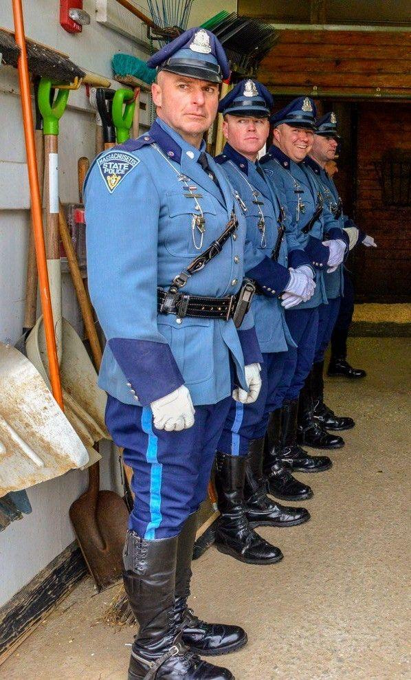 Pin auf Vintage Military & Police Uniforms