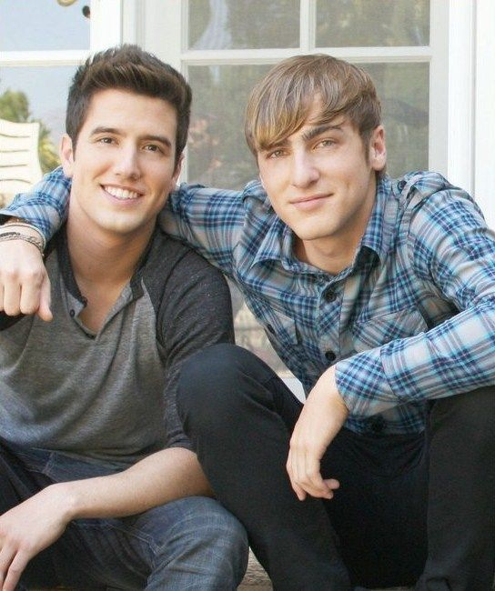 Logan Henderson and Kendall Schmidt.