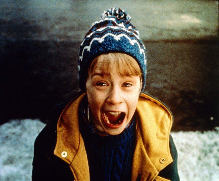 Wie reagiert Kevin im Jahr 2016, wenn ihn ein Mann mit einer Waffe bedroht? Das erschreckende Video verdirbt euch hoffentlich nicht den Weihnachts-Klassiker: Kevin Allein Zu Haus 3 mit Macaulay Culkin ➠ https://www.film.tv/go/36046  #KevinAlleinZuHaus #MacaulayCulkin #Weihnachten