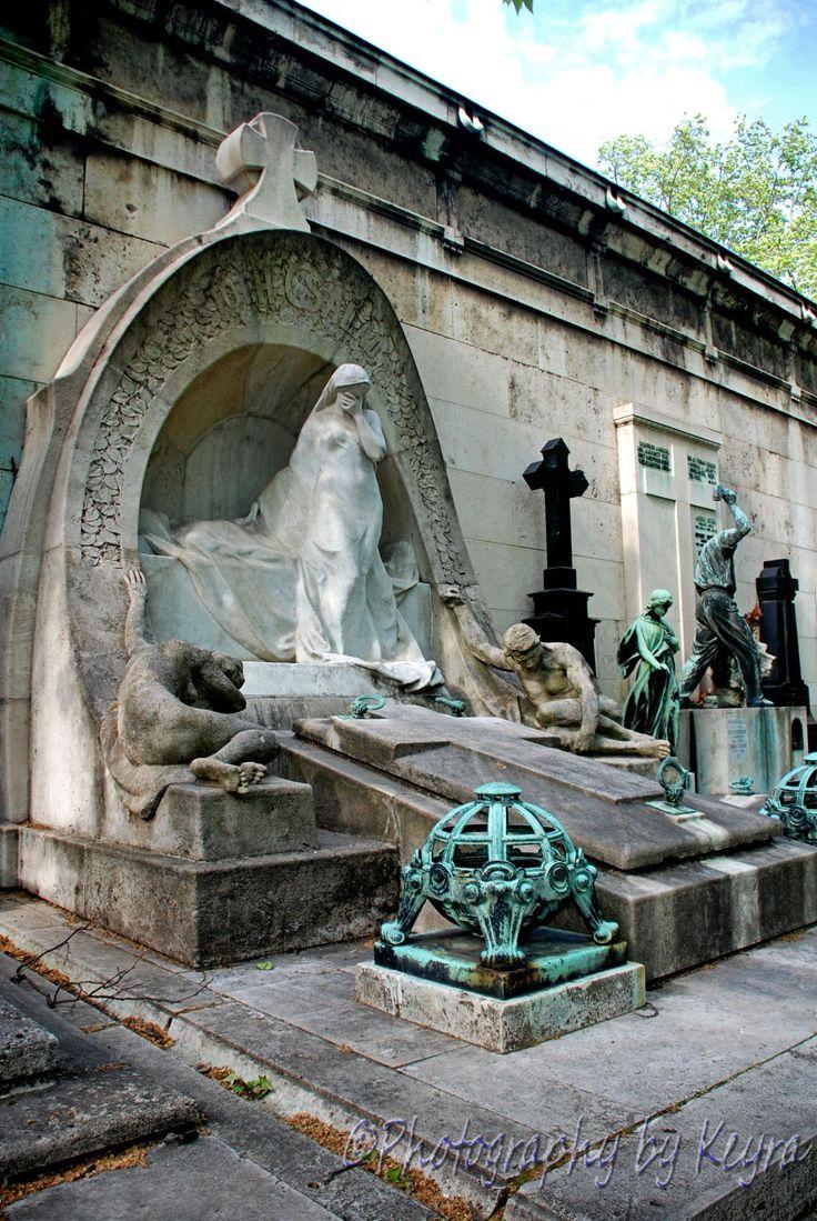 Kerepesi Cemetery, Budapest, Hungary, Europe www.photographybykeyra.com