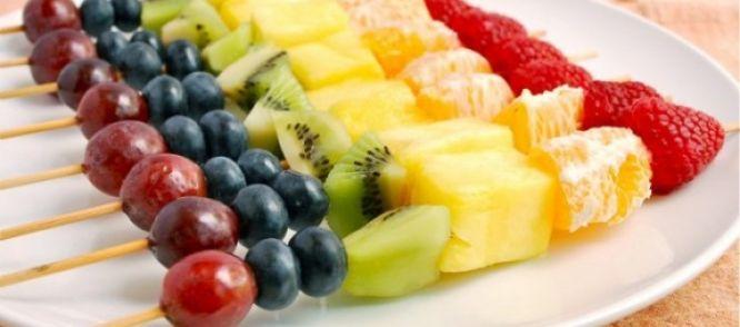 Fruitspiesjes recept | Smulweb.nl