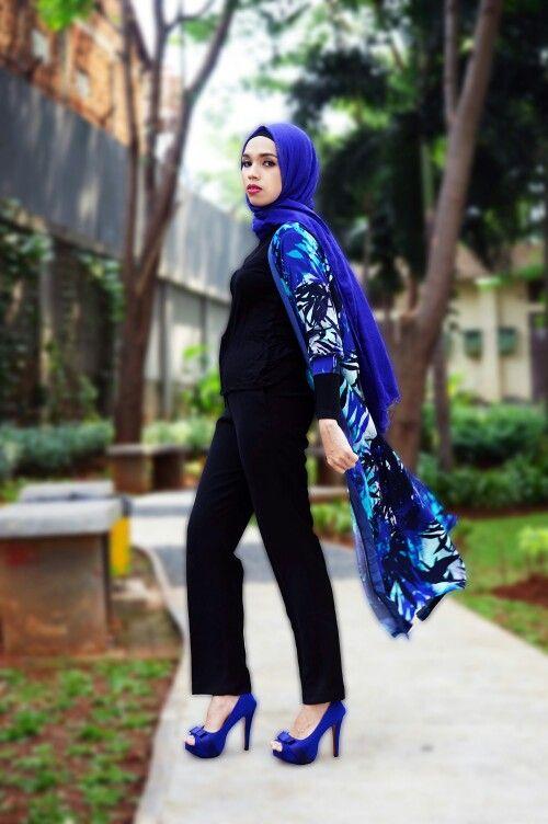 Follow instagram @mwfashionwear Specialist Pants & Long cardi, Update your Fashion with @mwfashionwear  Material : Jersey (Good Quality) Length : 127cm ALL SIZE Price : 165k