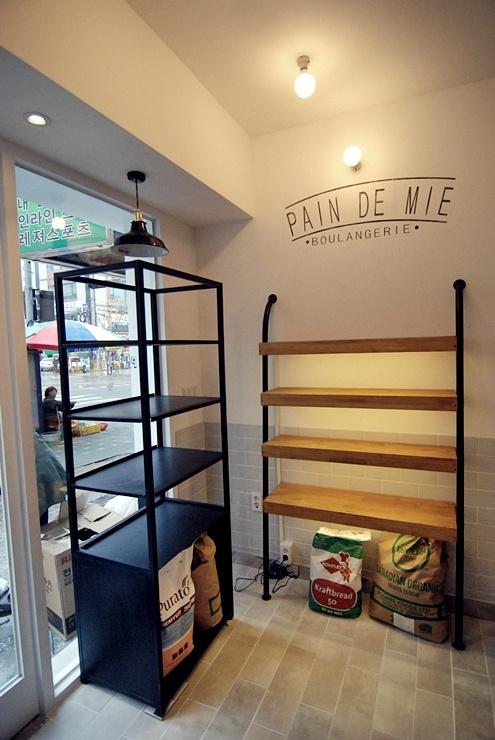 """korea cafe dedign """"pain de mie"""" design by mercim http://kinostar.blog.me/"""