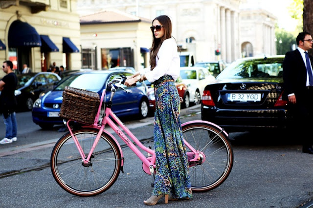 i want this pink bikeee:): Pink Bikee, Fashion Bike, Milan Fashion Week, Pink Bicycles, Styles, Graduation Presents, Beaches Cruiser, Baskets, Bicycles Bicycles