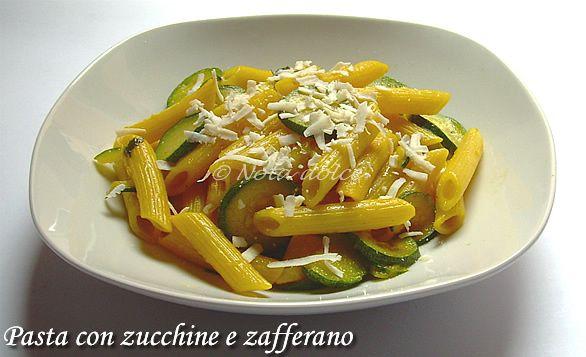 Penne con zucchine e zafferano, ricetta veloce