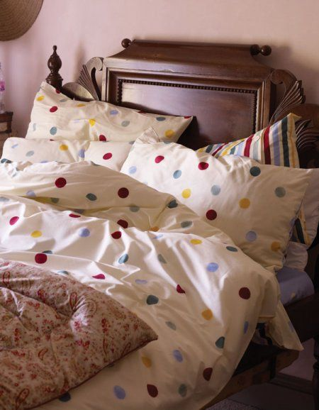 Emma Bridgewater bedding. Gotta love those polka dots!
