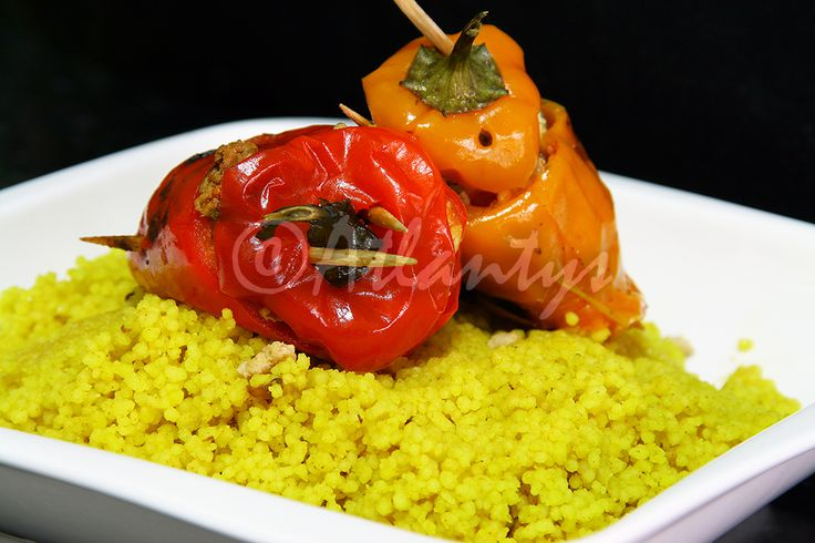 Terapia do Tacho: Mini-pimentos doces recheados com carne em cama de couscous de açafrão (Stuffed sweet baby peppers in a bed of safron couscous)