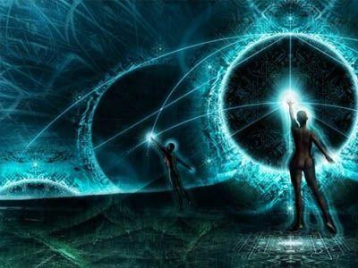 Όλοι επιθυμούμε να έχουμε τον έλεγχο του νου μας και προτιμούμε ο εσωτερικός μας χώρος να είναι απαλλαγμένος από διασπαστικές σκέψεις που μας προκαλούν αντιδράσεις. Οι αντιδράσεις σε αυτό το πλαίσιο σημαίνουν να σκεφτόμαστε ακόμα περισσότερες σκέψεις που προκύπτουν από τις σκέψεις που προγραμματιζόμαστε από το ΕΓΩ, να έχουμε. Το ΕΓΩ ζει μόνο με τη σκέψη και την χρησιμοποιεί για να δημιουργήσει την πραγματικότητά μας.