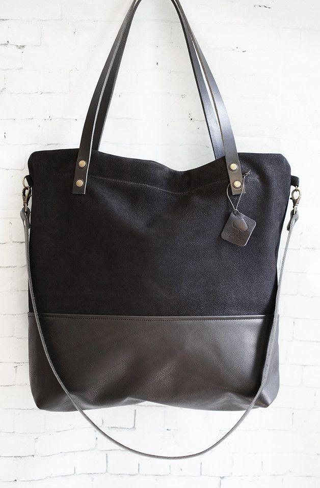 """Unsere Tasche """"Manoo"""" ist aus hochwertigem Echtleder gefertigt und weist folgende Merkmale auf:   • Kombination aus Nubuk & Glattleder • Großer Reißverschluss zum schließen des Hauptfaches • 1… – Julia Baues"""