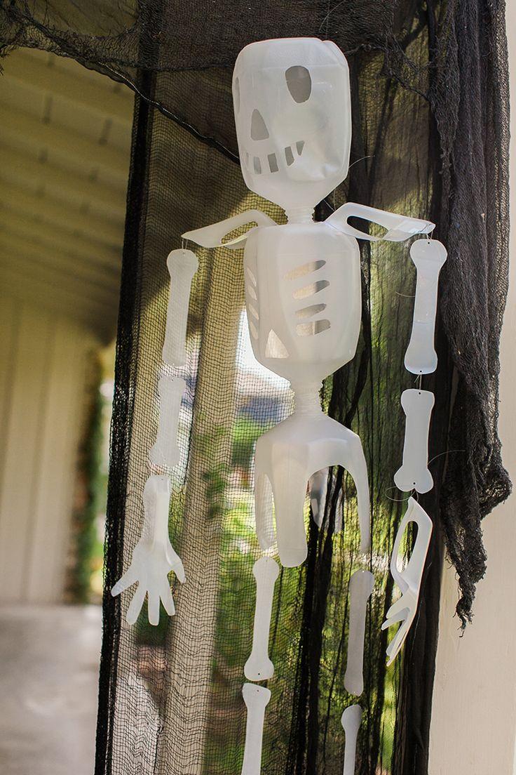 Milk Jug Skeletons | Easy DIY Halloween Decoration | DIY Skeleton Decor