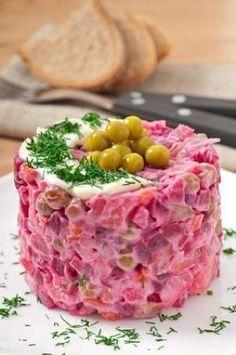 Salata de sfecla rosie cu piept de pui si maioneza