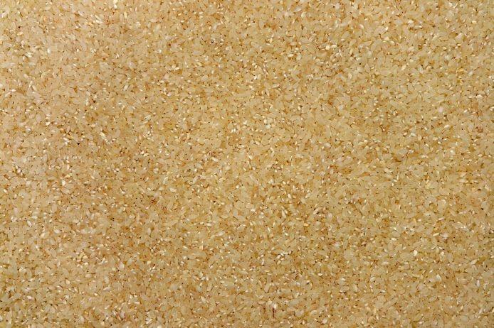 Текстура — рис. Коричневый рис. Зерно. Фотография высокого разрешения. Скачать бесплатно на texturus.com