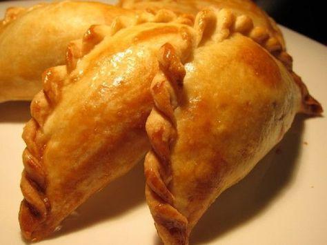 Караимские пирожки с мясом! Тесто хрустит, а начинка — объедение…