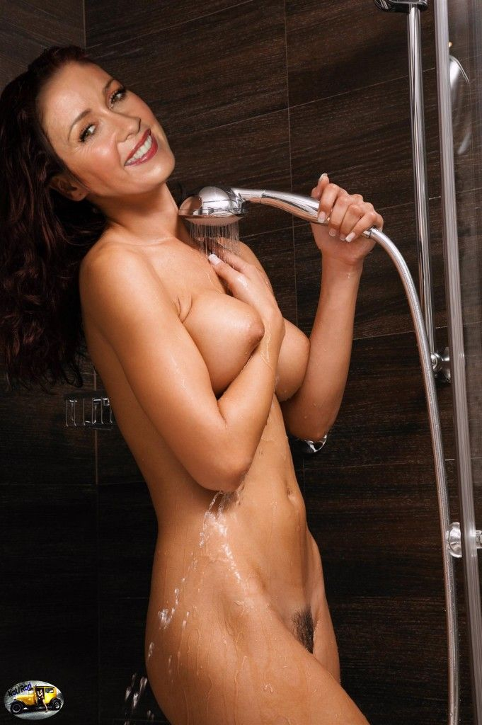 shania twain pose in the nude for playboy