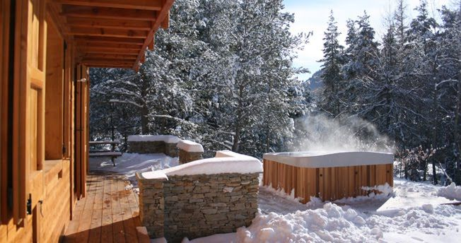 steamy hot tub in the snow snowy hot tub wonderment pinterest it 39 s snowing we and the o 39 jays. Black Bedroom Furniture Sets. Home Design Ideas