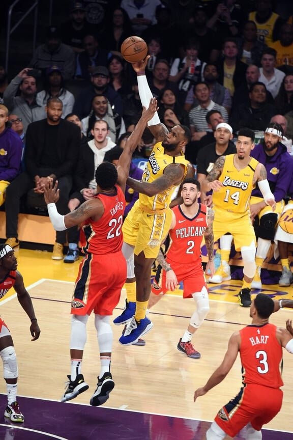 Pelicans At Lakers Game Action Photos 2019 20 Game 35 New Orleans Pelicans In 2020 Lakers Game Lakers Lebron James