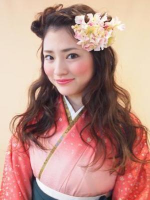 ヘアアレンジ: 【卒業式・謝恩会に♪】袴のふわふわダウンアレンジ☆/souRiLe[スゥリール](自由が丘)の美容室情報