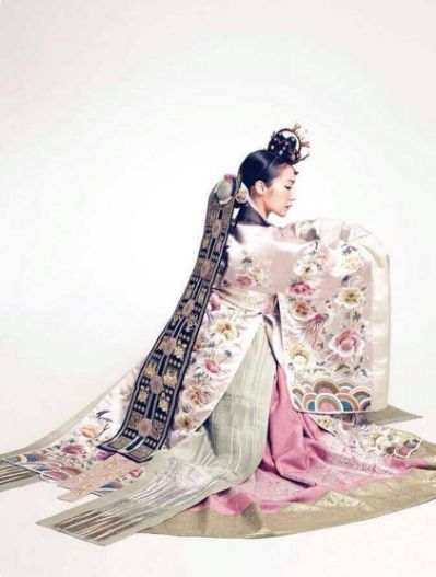 Elegant and beautiful silk hanbok