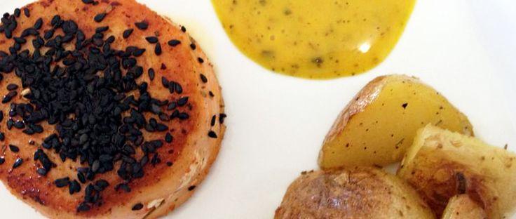 Dia de Chef: Medalhão de salmão com gergelim e batatas com alecrim | renda.se