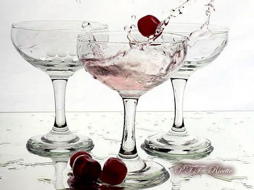 Ratafià di ciliegie Ricetta | Liquore fatto in casa