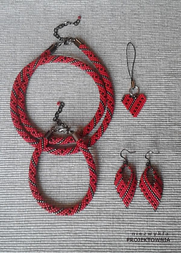 Komplet biżuterii koralikowej #beadcrochet #jewelry #necklace #bracelet #earrings #
