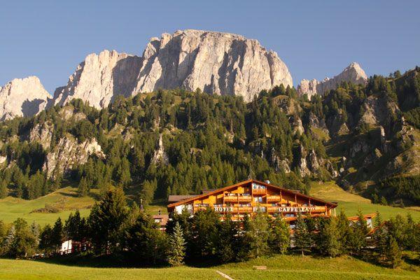 Scarpe da trekking, abiti comodi e si parte! L'Alta Badia è un paradiso per escursionisti e amanti dell'avventura, che possono destreggiarsi tra sentieri e passi e sentire il respiro dell'alta quota. Scopri con dove soggiornare su http://www.stilefemminile.it/active-holiday-in-alta-badia/