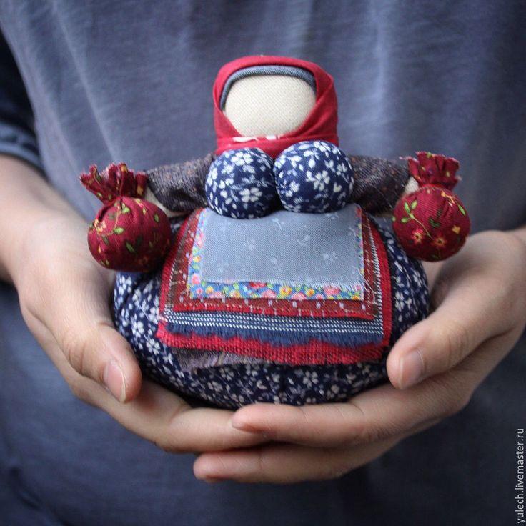"""Купить Народная кукла кубышка-травница """"зимняя"""" - комбинированный, народная кукла, подарок маме"""