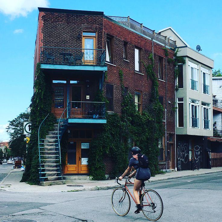 Some #montreal #bicycle stories. No I don't have a bike but I like the designs and the whole trendy idea. / Поняла, что вряд ли буду покупать велик, дремель-гравер мне как-то интереснее, и дело не в деньгах, а приоритетах и возне)) Велики люблю как дизайн и трендовую фишку #монреаль #montréal #mtl #somtl #somontreal #so_montreal #igersmtl #igersmontreal #mtliger #mtligers #mtlmoment #mtlmoments #montrealmoment #montrealmoments #montrealer #yul #mtllife #mtlblog #montreallife #montrealsummer