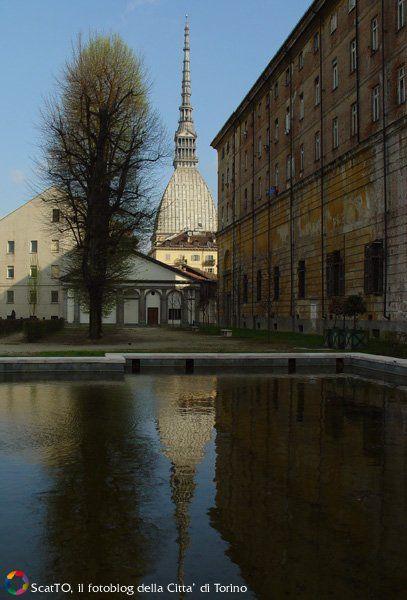 Mole Antonelliana, vista dai giardini Reali - Torino
