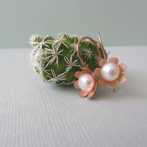 Rose Gold and Pearl Anemones
