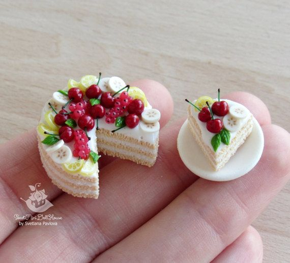 Miniature set of cakes for dolls and doll houses. Scale 1:12