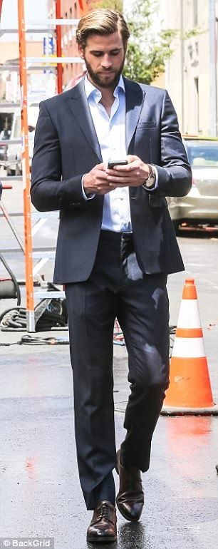 Liam Hemsworth and Rebel Wilson film comedy in NYC   Daily Mail Online