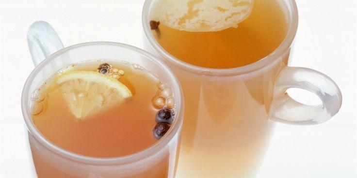 Voel je je opgeblazen of gewoon mwahhh niet-zo-topfit? Deze detox thee is precies wat jij nodig hebt.