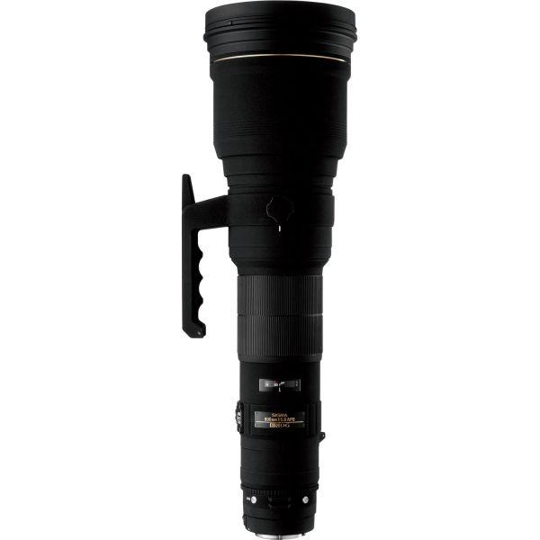 #Sigma 800mm F 5,6 EX DG APO HSM #objektív, Canon EOS fényképezőgépekhez.  Az új multi-rétegű objektív bevonatnak és az egyedülálló kivitelezésnek köszönhetően, a vibrálás és a szellemkép képződés hatékonyan csökkentett. ELD üvegelemek biztosítják a kiváló képminőséget, éles felvételeket, a filme és a digitális SLR kamerákkal történő felhasználással egyaránt. Lehetővé teszi a messzi tárgyak részletes szemrevételezését, melyet így jóval élesebben láthat a felhasználó, mint szabad szemmel.