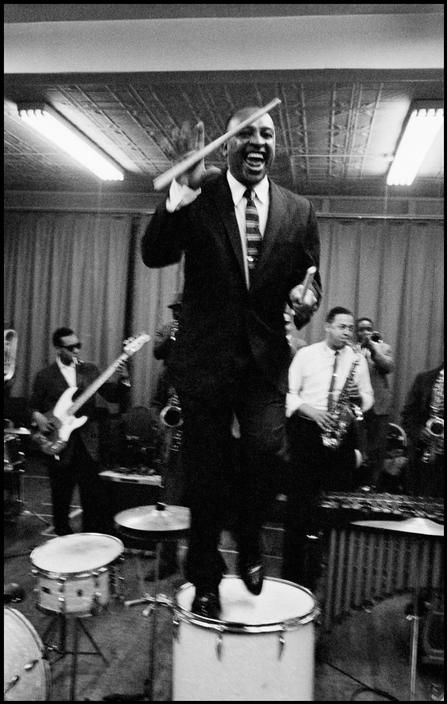 louis armstrong the legend of jazz music history It spread into storyville and played a mixture of blues, ragtime, and dance music in the future it would develop and become jazz music louis armstrong was born in new orleans he is one of.