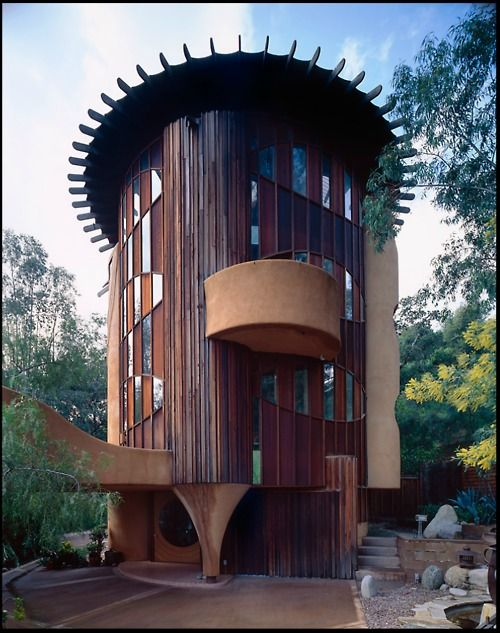 Cylindrical home. Click to see more photos.Unusual Home, Bruce Goff, Awesome Buildings, Woodland Hills, Cool Houses, Quonset Huts, Architecture, Cake Pans, Unusual House