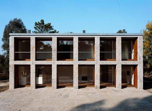 José Gigante - Stone house,Guimarães 2005.