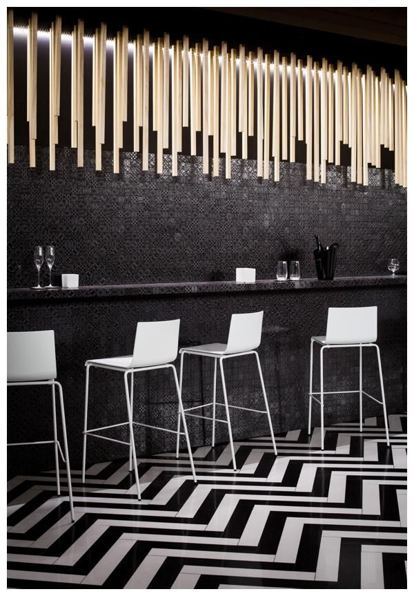 Les 209 meilleures images propos de carrelage sur pinterest c ramiques porcelaine et - Deco lounge epure ...