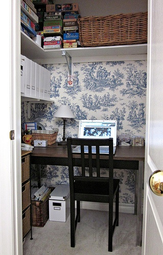 Home Office in a CLOSET... LOve that creative use of space..
