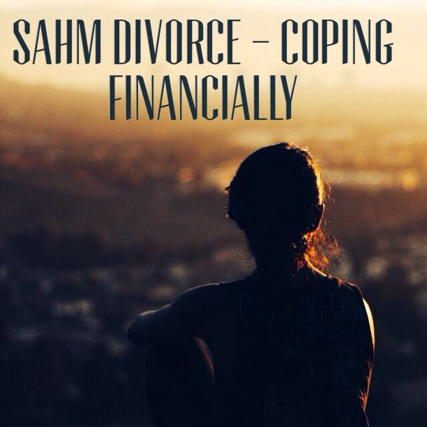 Coping with divorce is hard enough but it's even harder as a SAHM. This is how I made it through financially.  #divorce #finances #SAHM